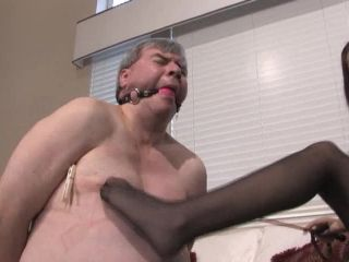 Slave steve is in some serious pain this time.