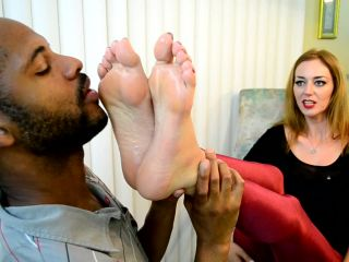 Sablique Von Lux – Foot Love with Waitress – Foot Worship – Femdom, Fetish, converse fetish porn on lesbian