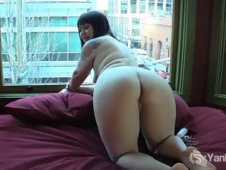 Sinfully sarah toys her sy and ass