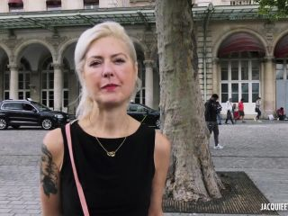 jacquieetmicheltv.20.07.28.sophie.40.years.old.fr