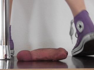 CBTrample – Mush under Alina's Chucks
