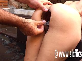 Marias XXL anal insertions