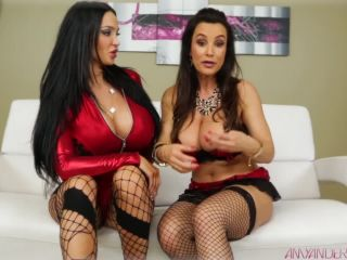 Kissing cousins - Amy Anderssen