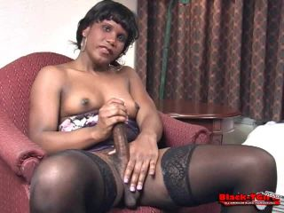 Online shemale video Professional Vicky Has Fun