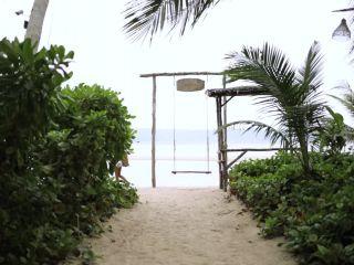 Putri Cinta - Beach Relax
