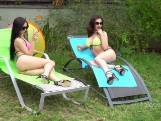 Sasha rose and henessy are fingering and licking holes in the open air