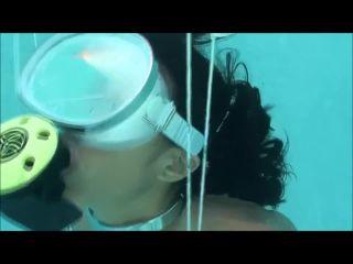 Underwater selfbondage!