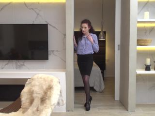 Original Video Title European housewife Scarlet sucking cock and then ...