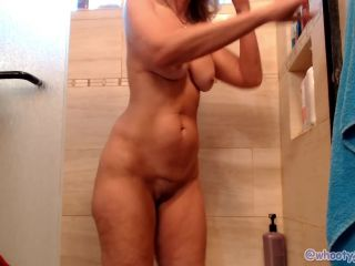 Fun shower show ass clap with jess ryan