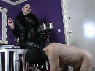 Online – Mistress Asmondena – Feeding A Slave Pig, femdom women on role play
