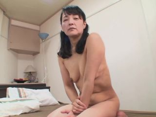 Shy japanese babe fucks on cra for the first time