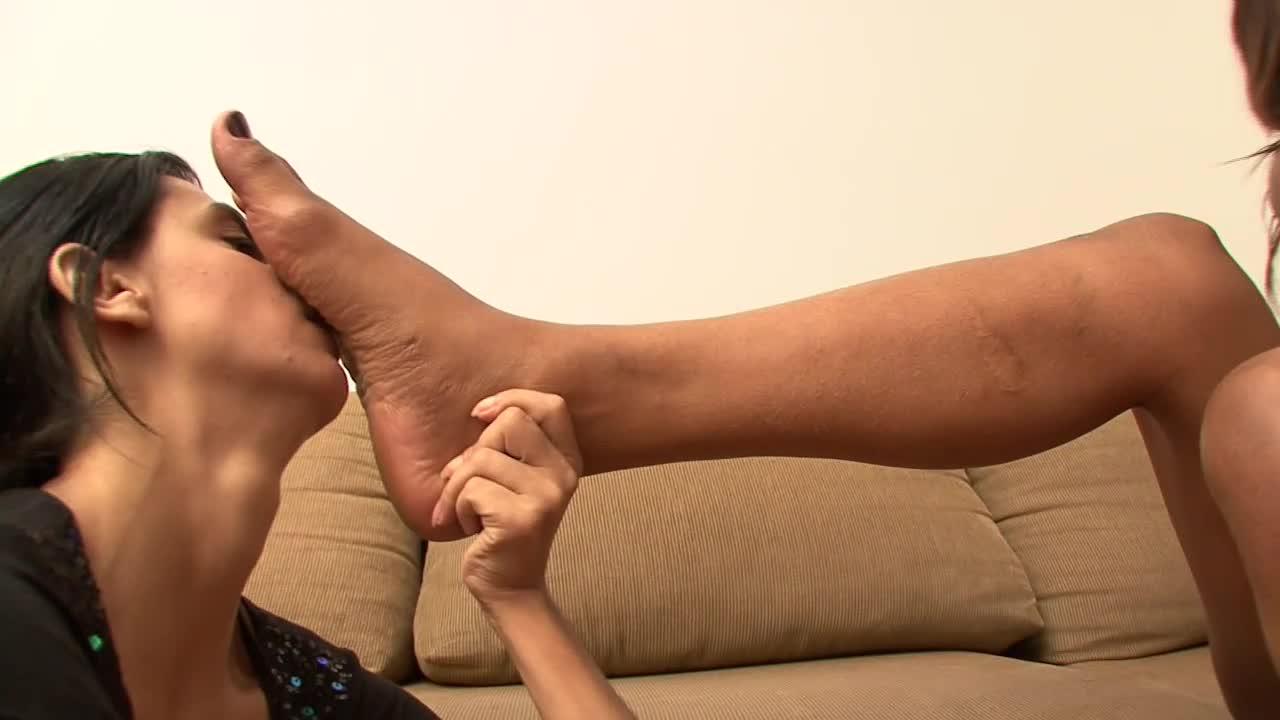 Small Teen Feet Lesbian