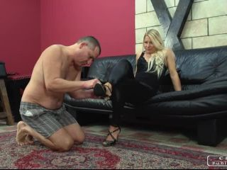 Mistresses Slave – CRUEL PUNISHMENTS – SEVERE FEMDOM – Smacking soles – Lady Zita