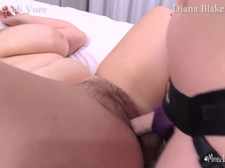 ManyVids Codi Vore - Strap-On and Facesitting Threesome - FullHD 1080 ...