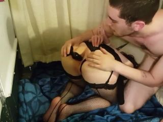 Submissive girlfriend loves hard anal fick and facial