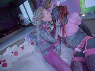 Webcam Anuskatzz – Sissy slut Lily Lulu gets fisted – femdom porn