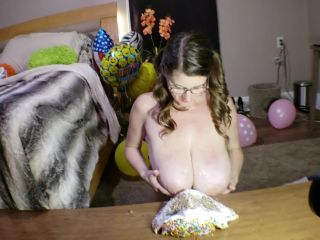 KCupQueen – Huge Tits Pulverize My Birthday Cake