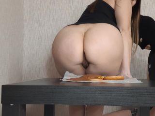 Dianascat - Eat a shitty burger [FullHD 1080P] - Screenshot 5
