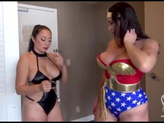 Wonder Woman Costume Chaos