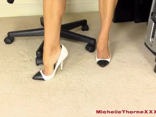 Michelle Thorne – Latex Smoking Secretary