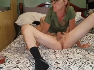 Hot brunette cums in her panties and smokes while suckin his dick