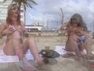 BeachJerk sarah-amelia-topless-interview full hd