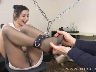 Soles tickling – UK Tickling – Valentina Bianco