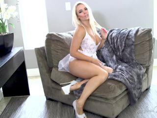 AlexisMonroe presents Alexis Monroe – White Dress BJ