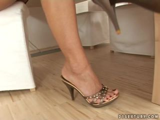 Footsie Office Jennifer Stone