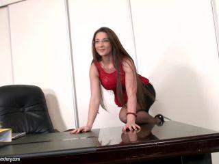 Julie Skyhigh (Full HD)