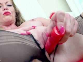 Pantyhosed4U presents Holly Kiss — Temptress in torn nylon! —