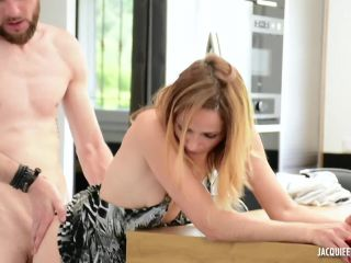 Alice - Alice, 35ans, comptable FullHD