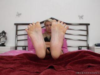 Shiny soles – Laura set 1