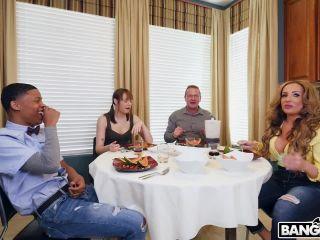Richelle Ryan (Richelle Ryan Adopts a Black Cock / 12.05.18)