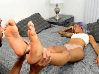 Porn online [Femdom 2019] Funhouse Clips – Reina Rain in Sleepy Foot Worship [Foot Fetish, Footlicking, Foot Licking, Footworship, Foot Worship, k2s.cc, femdom online] femdom