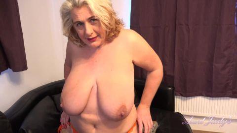 Camilla Creampie - Seducing & Fucking Auntie Camilla POV (1080p)