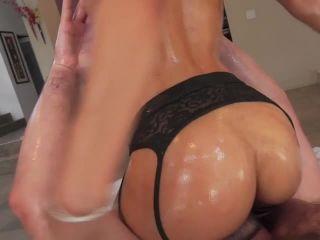 Video online Oil Overload #11, Scene 2
