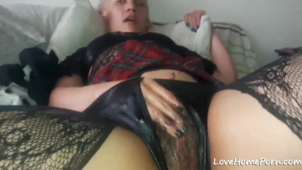 Amateur Young Solo Small