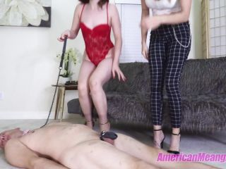 The Mean Girls – Princess Mia, Mistress Dandy – Slaves Heads Were Made For Standing On