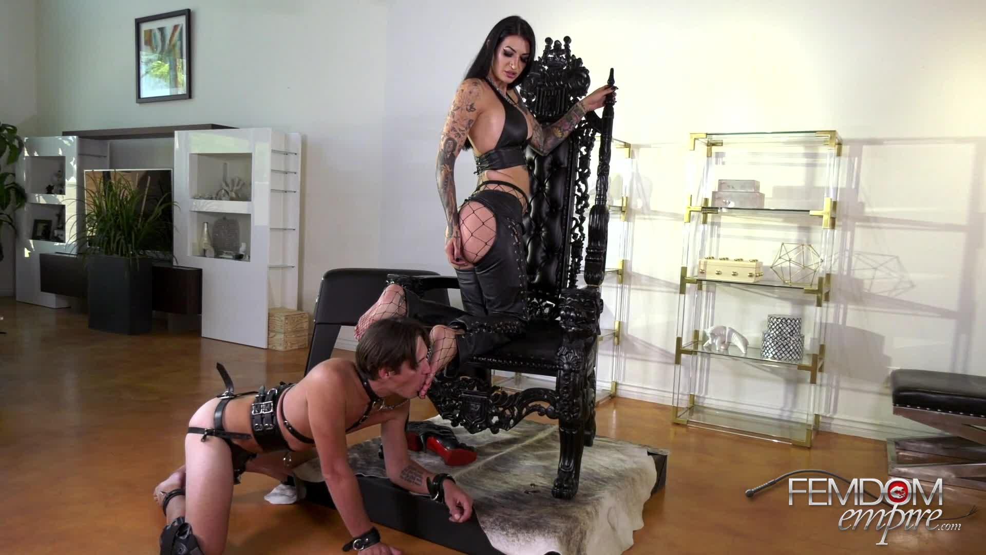 Femdom Mistress Pussy Worship