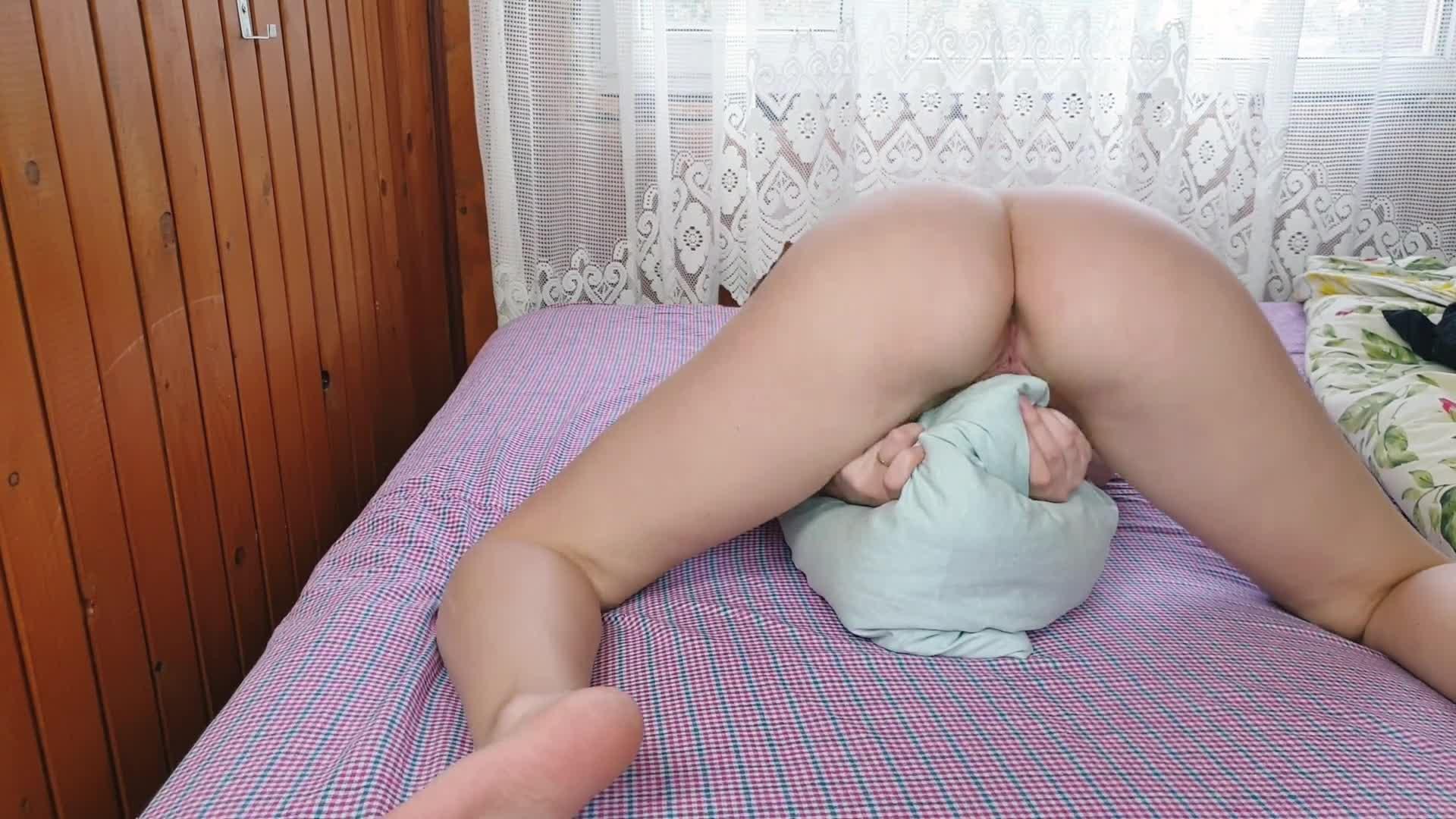 Loud Pussy Eating Orgasm