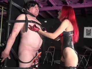 19. gloved face slapping electro on nuts - Lady Fabiola Fatale