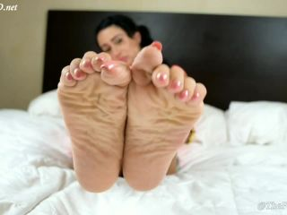 Another Snowy Footjob — TheFeetGuideTV