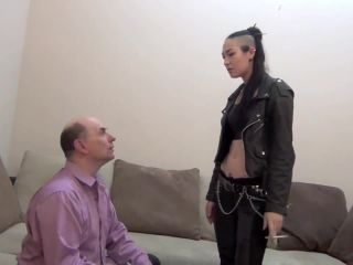 Luzia Lowe - Punk Rocker Mean Girl Punks Her Teacher