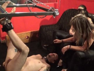 Katia & Michelle home video  Taste our feet for beginning.. part 1