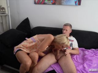 Kateryna Loves Anal Fisting