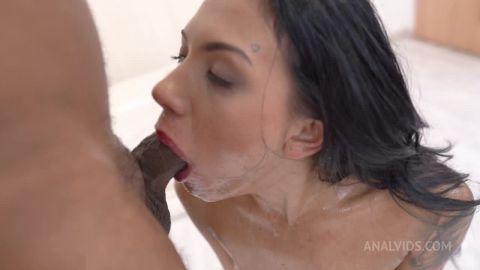 Adelle Sabelle - 3on1 DP rough facefuck deepthroat gapes facial cumshot (720p)