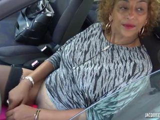 Jacquieetmicheltv presents Sonia, 37ans, chaude comme la braise –