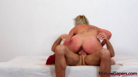 Lenny Sweet - Horny MILF Lenny Sweet gets anal sex and pussy gaping from Travis (1080p)