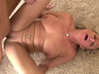 Sexy Cougars Sex Mature Woman and Guy - Payton Hall
